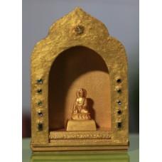 Buddha Shakyamuni im Schrein